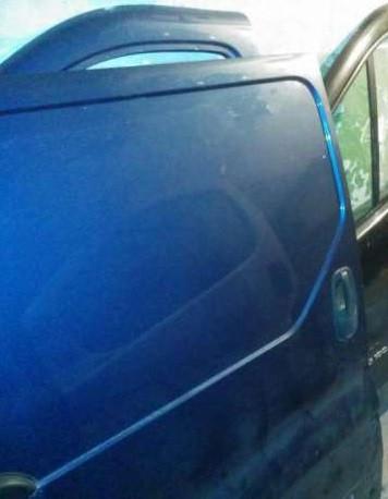 Дверка розсувна права (гола) Renault Trafic, Opel Vivaro 2001> (Б / У)