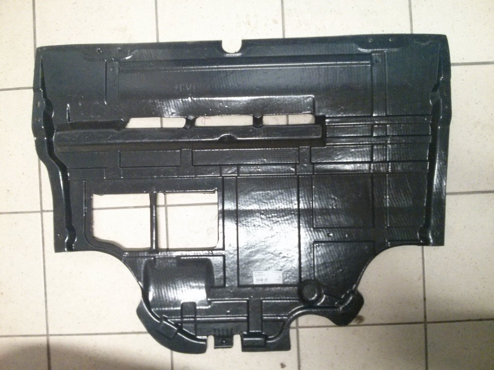 Захист двигуна (пластик) Renault Trafic, Opel Vivaro 1.9, 2001-2006 (Б / У) Polcar 602634-5 (нова)