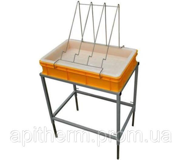 Стол для распечатки сот с ванночкой пластиковой 100 мм, сито пластиковое.