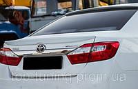 Лип-спойлер на багажник Toyota Camry