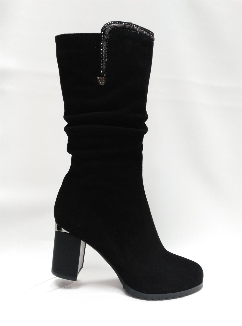 Черные замшевые сапоги .