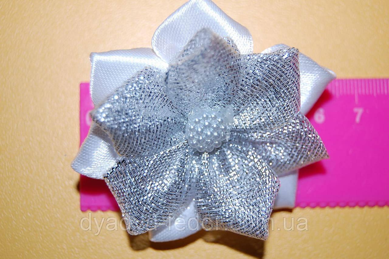 Резинка для волос бантик лотос серебро код m015