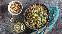 Салат из цуккини и кедровыми орехами
