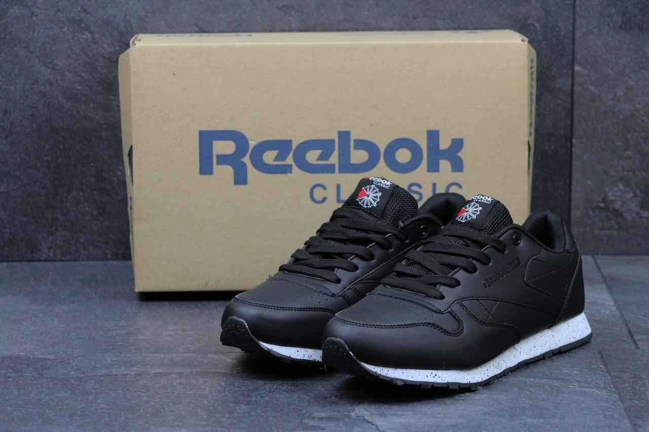 237012dd8400fe Чоловічі кросівки Reebok Classic чорні з білим, цена 747 грн./пара ...