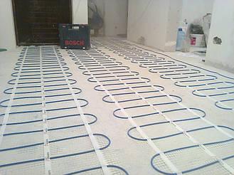 Укладка и закрепление нагревательного кабеля