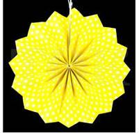 Веер бумажный 40 см желтый горошек
