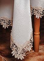 Белоснежная скатерть (150*220 см) с ажуром цвета шампань.