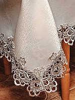 Скатерть цвета шампань с кофейным кружевом на средний стол