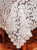 Красивая  скатерть с ромашками размера 150*180 см  на средний стол