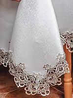 Красивая скатерть из атласа размера 150*350 см с ажурной вышивкой