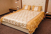 Покрывало атласное с подушками и рюшами
