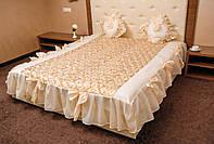 Покрывало с бантиками и подушками