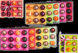Подарочный набор из 12 конфет ручной роботы.