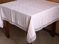 Изысканая скатерть размера  с кружевом по краю на кухонный стол