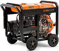Дизельный генератор (7 кВт) Daewoo DDAE 9000XE (220 В, количество фаз 1, мощность двигателя 15 л. с., 477 куб. см, розетки 1×16 А, 1×32 А, тип