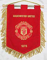 Вымпел футбольный бархатный с вышивкой герба FC Manchester United