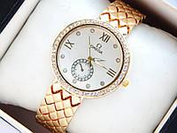 Женские наручные часы Omega на металлическом браслете золото