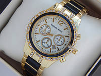 Женские кварцевые наручные часы копия Michael Kors золото, черные вставки, премиум качество, фото 1