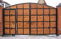 Дворовые ворота с калиткой внутри. Возможна доставка и установка.