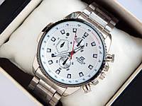 Мужские кварцевые наручные часы Casio Edifice стального цвета на браслете