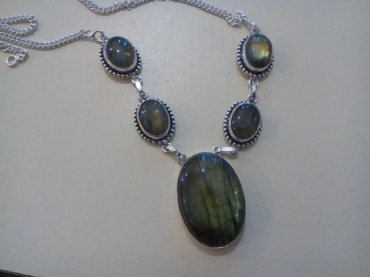 Красивое ожерелье с камнем лабрадор. Индия!