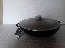 Сковорода чугунная (жаровня), d=320 мм, h=60 мм с алюминиевой крышкой