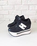 Женские кроссовки чёрные на платформе