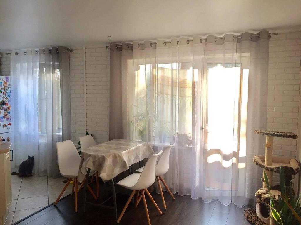 Тюль на люверсах в кухню и гостиную