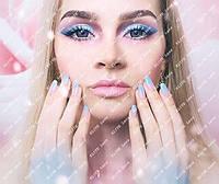 """Цветные косметические линзы """"Синие кукольные"""" на светлых глазах"""