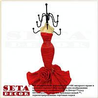 Подставка под бижутерию Девушка в красном платье