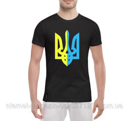 Яркая мужская футболка Герб Украины в центре