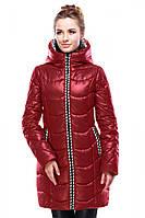 Стильная куртка полуприталенного фасона