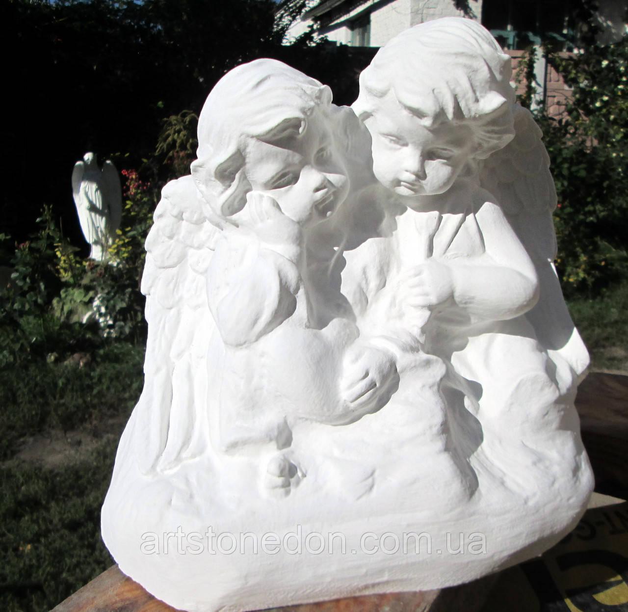 Бетонные скульптуры Украина. Скульптура Два ангелочка из бетона. Ангелочки близнецы