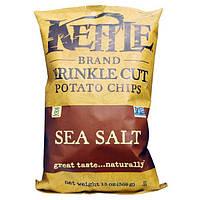 Kettle Foods, Рифленые картофельные чипсы с морской солью, 13 унций (369 г)