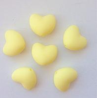 Сердце 20*17мм,  силиконовые бусины (кремовый)