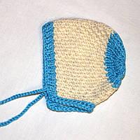Теплая молочно-голубая шапочка на новорожденного 0-3 мес