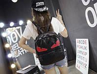 Стильный городской рюкзак со злыми красными глазами