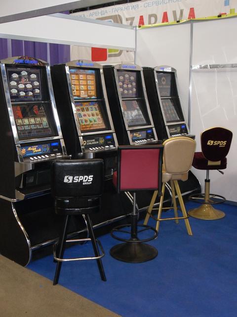 Стулья для игровых автоматов, казино и покерных клубов
