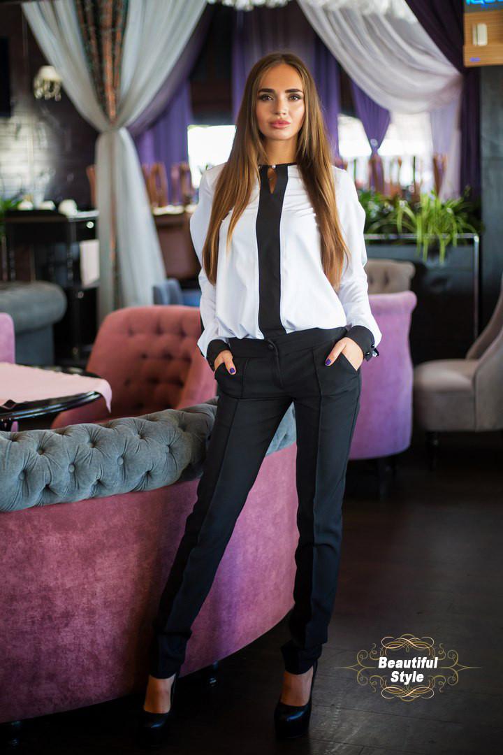 Женский костюм в деловом стиле (блуза и брюки)