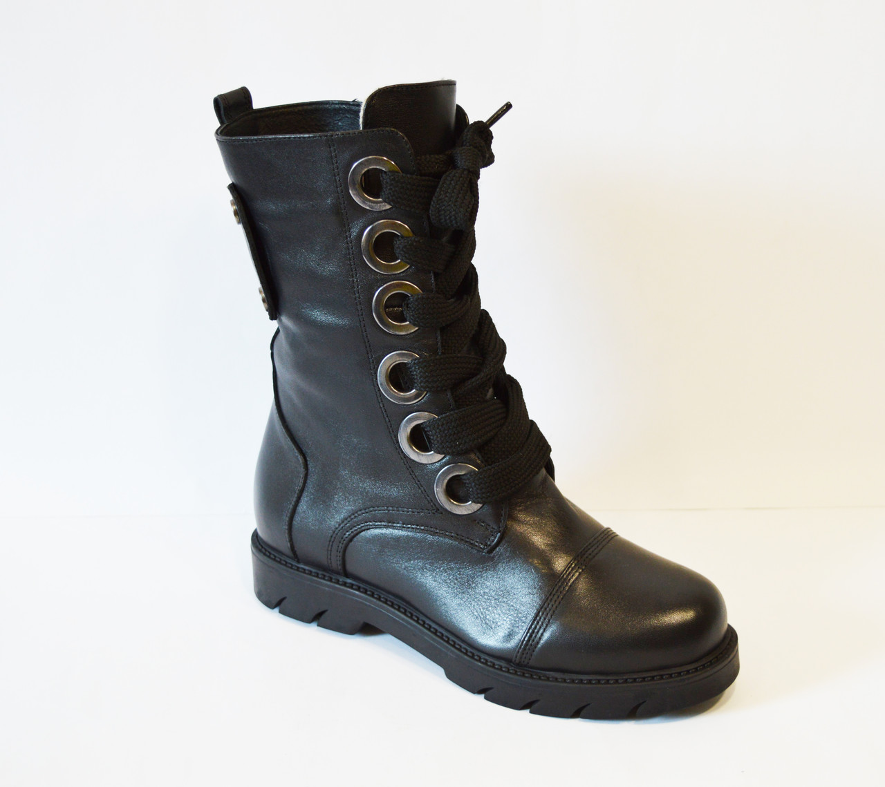 Ботинки женские со шнуровкой Donna Ricco 544