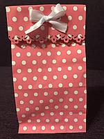 Пакеты бумажные подарочные резные 20*9*6,5 см розовые в горох белый