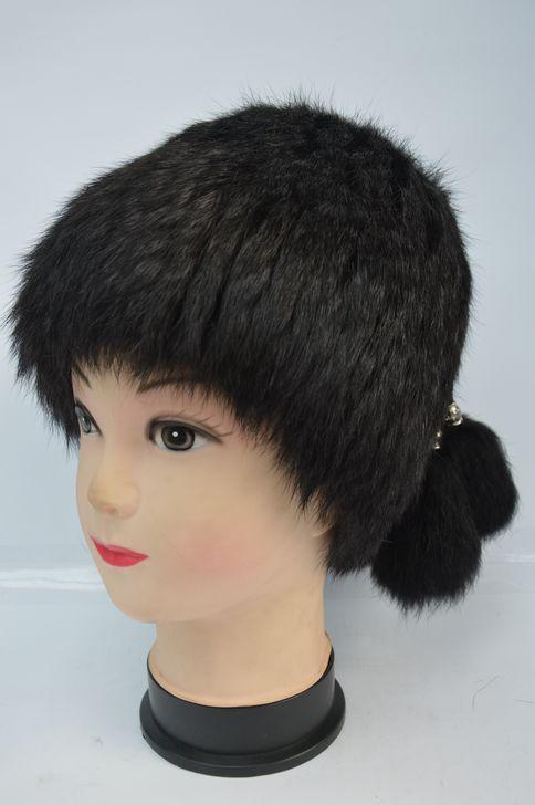 Черная женская меховая шапка от производителя