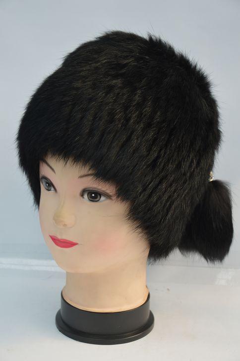 Однотонная женская меховая шапка от производителя