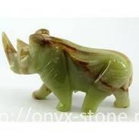 Носорог из оникса