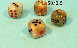 Кубики / зарики / кости из натурального камня оникс