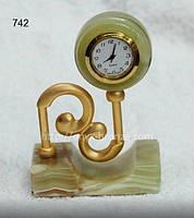Стенды часы из  оникса