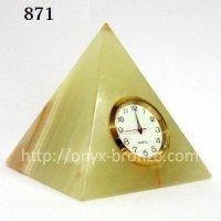 Часы пирамида из оникса