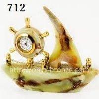 Часы корабль из  оникса