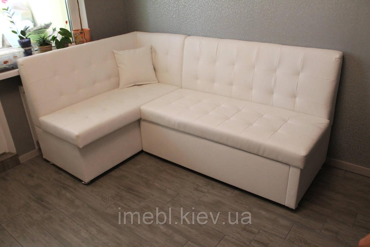 Мягкий кухонный диван белого цвета