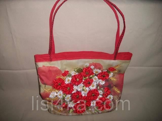 Большая красная сумка с вышивкой лентами маки ромашки и пшеница